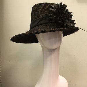 Accessories - Lillie & cohoe femme fatale hat